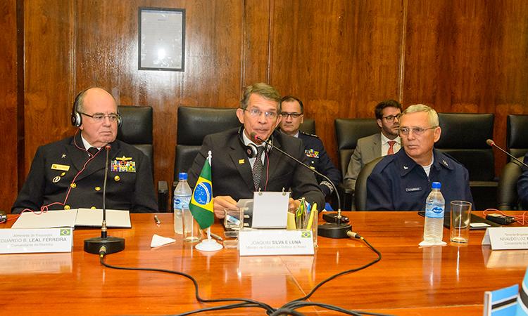 Defesas do Brasil e Botswana assinam termo de cooperação