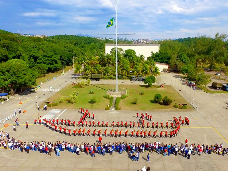 """Marinha do Brasil promove """"Um Dia de Fuzileiro Naval para pessoas com autismo"""""""