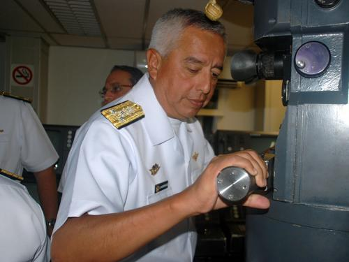 Força de Submarinos recebe Delegação da Marinha de Guerra do Peru