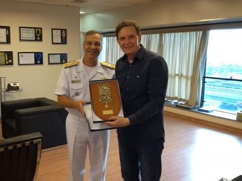 Comandante do 1º Distrito Naval visita governador e prefeito do Rio de Janeiro