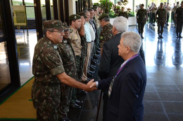 Comitiva do Poder Judiciário da União realiza visita à Academia Militar das Agulhas Negras