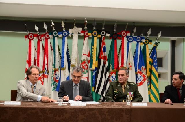 Exército e Universidade de São Paulo firmam parceria para aprimorar recursos humanos, pesquisa e sistemas