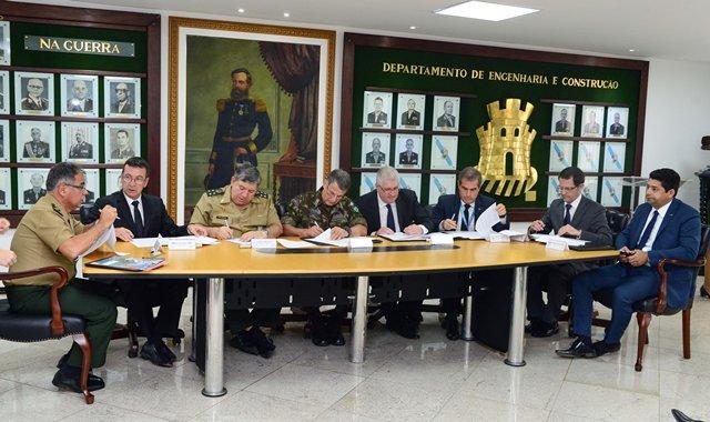 Exército Brasileiro presta apoio para a execução da maior obra da Ponte Rio-Niterói desde sua fundação.