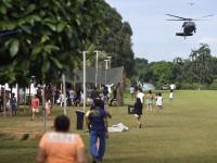 chegada_helicoptero_aldeia