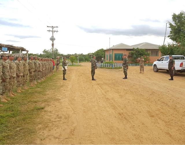 Visita do Adido Militar Brasileiro na Bolívia às Organizações Militares do Exército Boliviano sediadas em Cobija