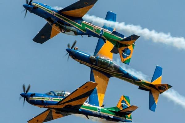 Esquadrilha celebra os 77 anos do aeroclube de Itápolis (SP)