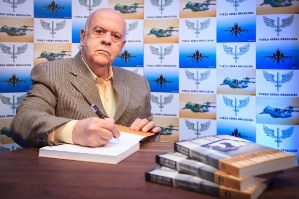 FAB lamenta falecimento do escritor e jornalista Cosme Degenar
