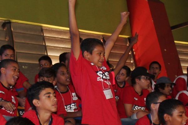 Crianças do Programa Forças no Esporte têm atividades especiais em SP e SC