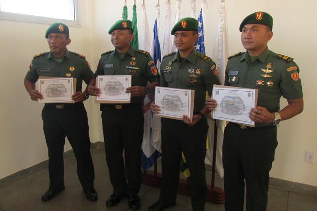 Estágio Internacional de Operação e Manutenção do Sistema de Mísseis e Foguetes para Militares da Indonésia.