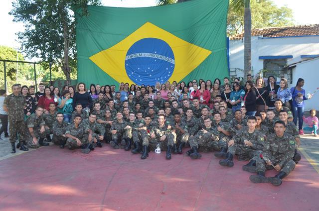 Tiro de Guerra 04-030 comemora o Dia das Mães