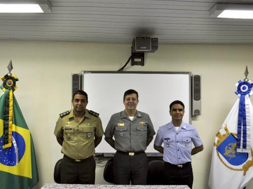 Centro de Guerra Eletrônica da Marinha realiza cerimônia de encerramento de curso