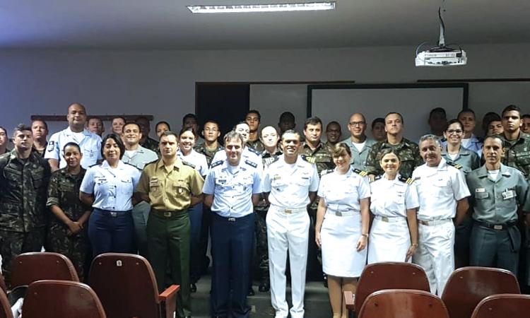 Ministério da Defesa coordena capacitação de educadores de pares nas Forças Armadas
