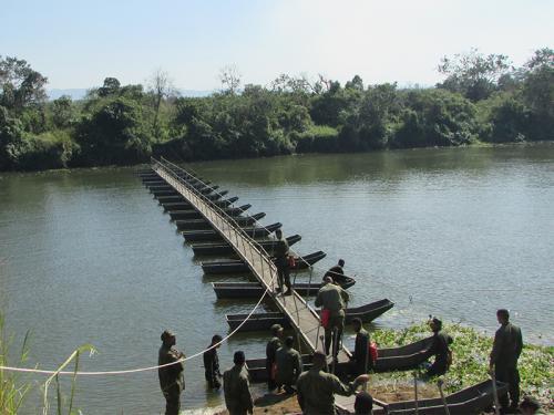 Batalhão de Engenharia de Fuzileiros Navais realiza exercício de transposição de cursos d'água