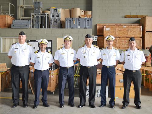Marinha do Brasil doa equipamentos aeronáuticos à Marinha do Peru