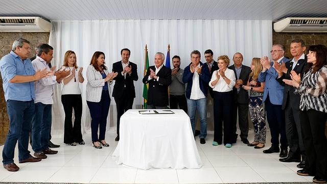 Ministro Silva e Luna visita abrigos da Força-Tarefa Logística Humanitária