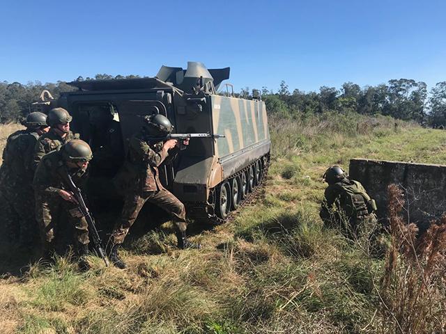 Intercâmbio de Conhecimentos sobre Simulação de Combate entre Centros de Adestramento do Exército