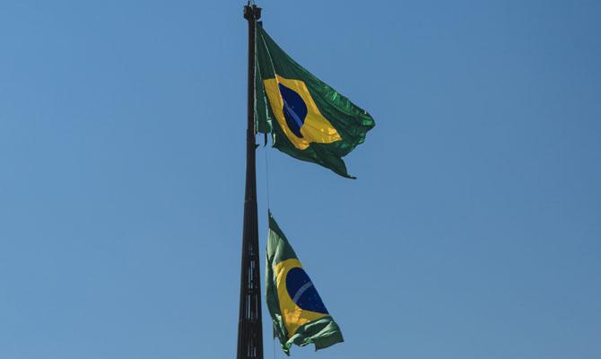 Marinha realizará substituição da Bandeira Nacional deste mês