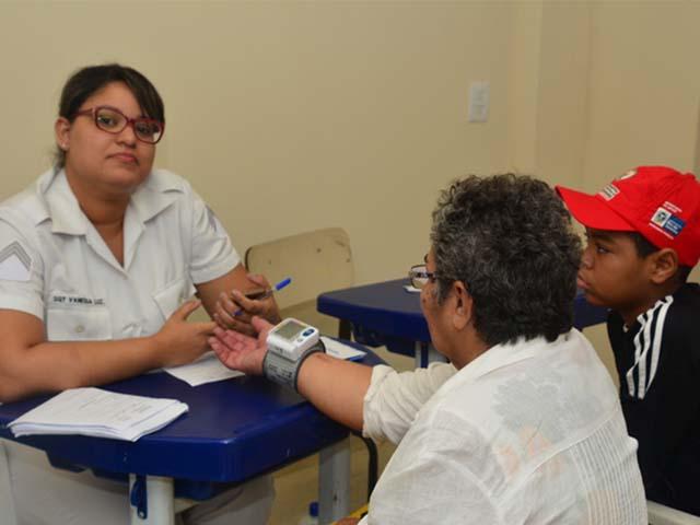 Ação comunitária beneficia milhares de moradores da área da Praça Seca, na Zona Oeste do Rio de Janeiro.
