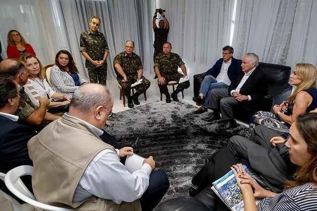 Visita do Presidente da República ao abrigo Nova Canaã