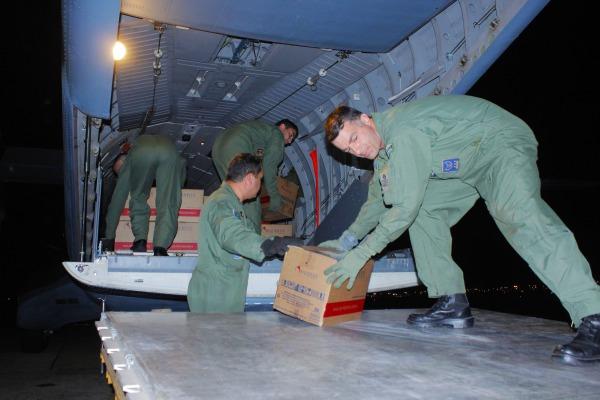Esquadrão Onça transporta medicamentos para Campo Grande