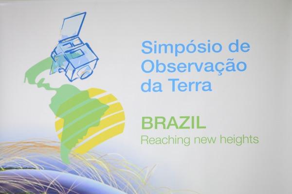 Simpósio de Observação da Terra promove troca de conhecimento sobre satélites