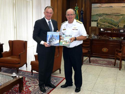 """Comandante da Marinha recebe visita do Presidente da """"Fundação João Mangabeira"""""""