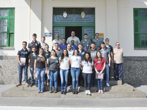 Alunos da Faculdade de Jahu, de São Paulo, realizam estágio técnico no Arsenal de Marinha do Rio de Janeiro