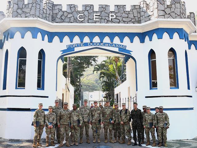 Comitiva de West Point Visita O CEP/FDC e CIdEx