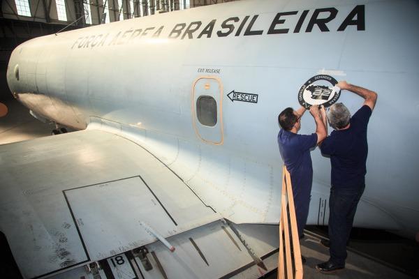 Campanha Dimensão 22 é estampada em aeronaves da FAB