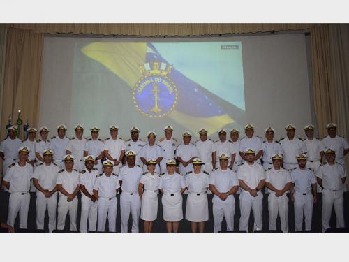 Centro de Instrução Almirante Braz de Aguiar realiza formatura do curso de Aperfeiçoamento para Oficial de Náutica