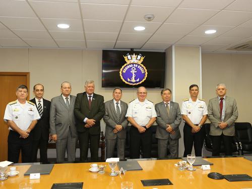 Comandante da Marinha recebe membros do Comitê da Indústria de Defesa e Segurança do Estado de Goiás
