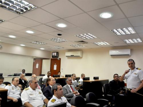 Comando do Controle Naval do Tráfego Marítimo recebe visita do Secretário-Geral da Organização Marítima Internacional