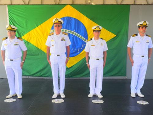 Comando do Grupamento de Patrulha Naval do Norte realiza cerimônia em homenagem aos marinheiros mortos em guerra
