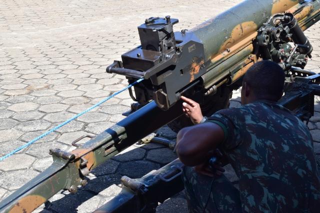 Entrega do Mecanismo de Recuo de Obuseiro Oto Melara ao 10º Grupo de Artilharia de Campanha de Selva