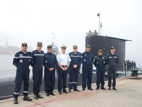 Embaixador da França no Brasil embarca no Submarino Tupi