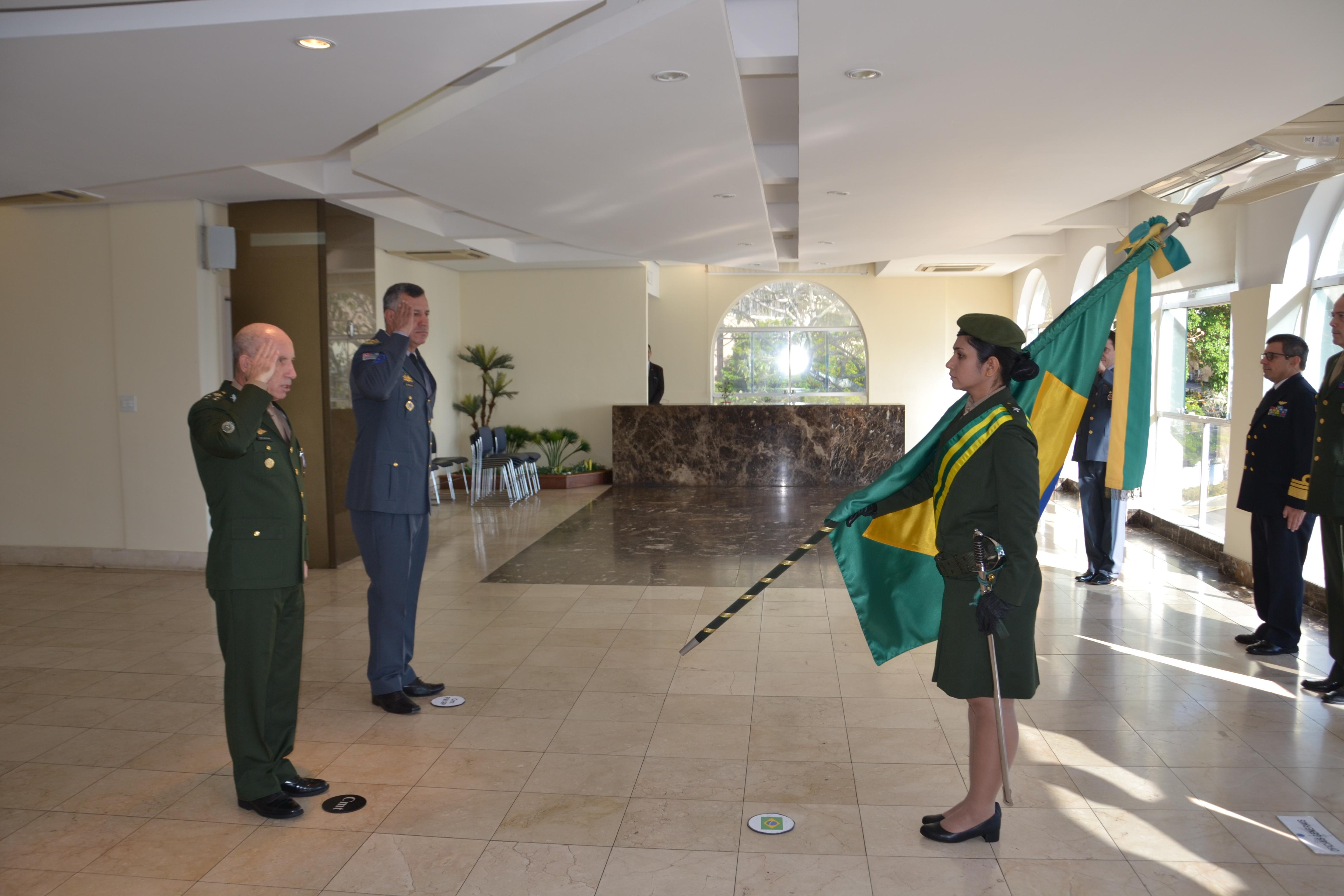 General Schons recebe Medalha do Mérito da Inteligência da Polícia Militar do Estado de São Paulo