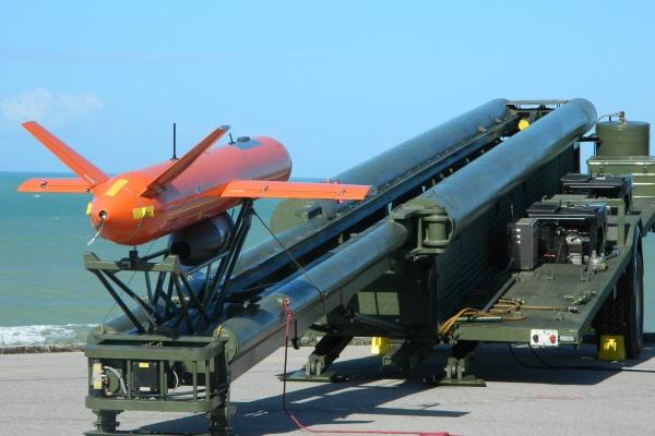 Novo alvo aéreo da FAB é testado no Centro de Lançamento da Barreira do Inferno