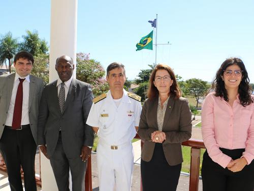 Comando do 6º Distrito Naval recebe visita de embaixadora
