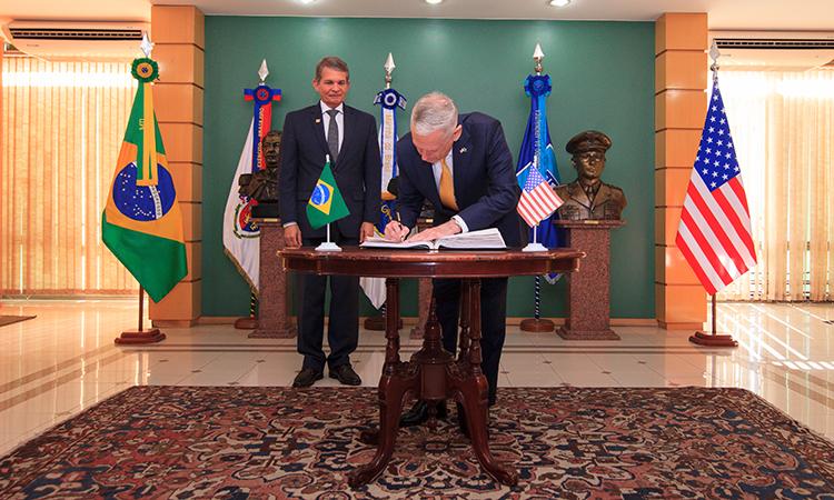 Brasil e EUA avançam em acordos bilaterais no setor espacial