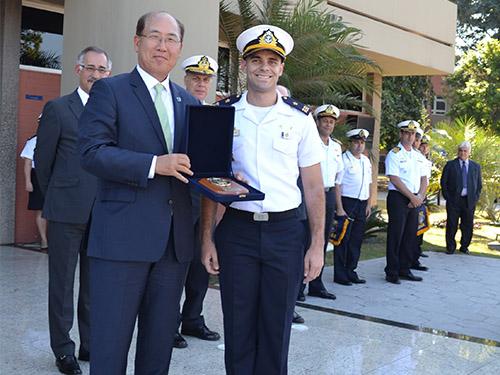 Centro de Instrução Almirante Graça Aranha recebe visita do Secretário-Geral da Organização Marítima Internacional