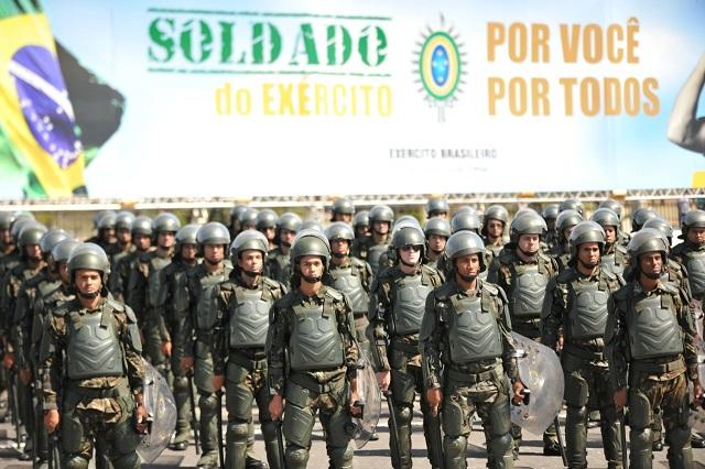 Cerimônia Militar em Brasília homenageia militares que perderam suas vidas em Operação no Rio de Janeiro