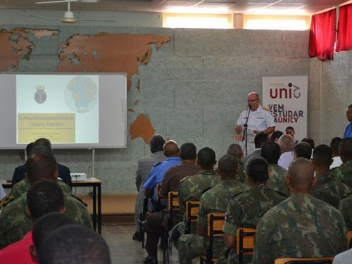 Comandante da Marinha realiza visita oficial à Ilha de São Vicente, República de Cabo Verde