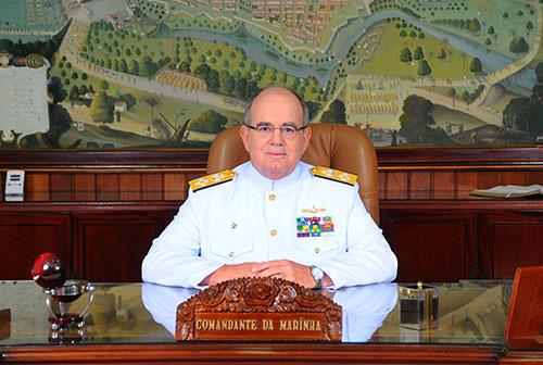 Comandante da Marinha recebe Embaixador de Angola no Brasil e Consultor-Geral da União