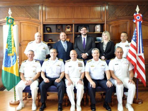 Comando do Controle Naval do Tráfego Marítimo recebe a visita do Diretor do Centro Integrado de Inteligência Marítima Nacional dos EUA