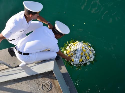 Comando do 2º Distrito Naval homenageia heróis de guerra no mar