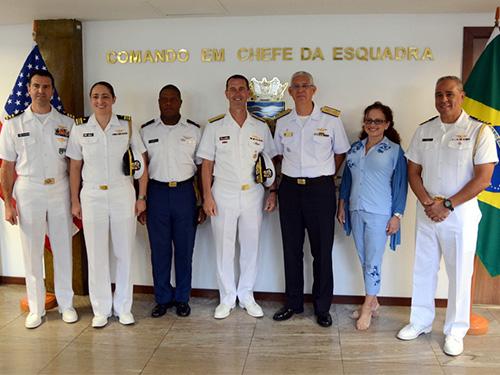 Comando em Chefe da Esquadra recebe visita de comitiva do Comandante de Operações Navais dos EUA