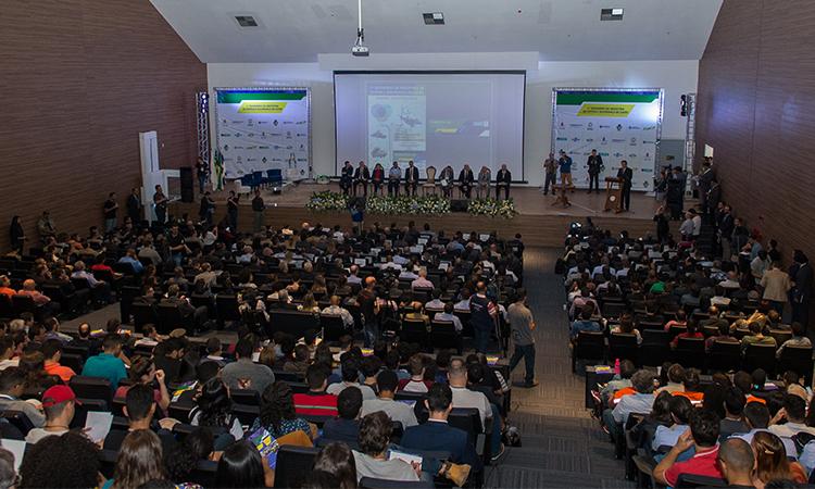 Comitê discute a criação de um polo de defesa em Goiás