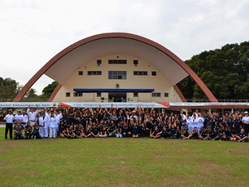 Comitiva do Comandante de Operações Navais da Marinha dos EUA visita CIASC e conhece Programa Forças no Esporte