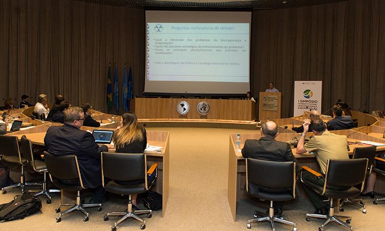 Defesa participa do Primeiro Simpósio Interinstitucional de Biossegurança e Bioproteção