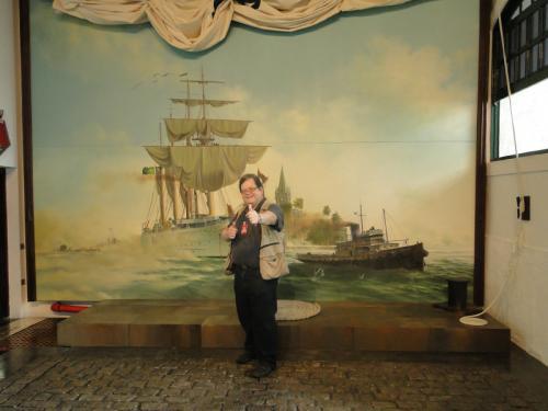 Espaço da Memória Histórica da Diretoria de Hidrografia e Navegação recebe visita do historiador Milton Teixeira